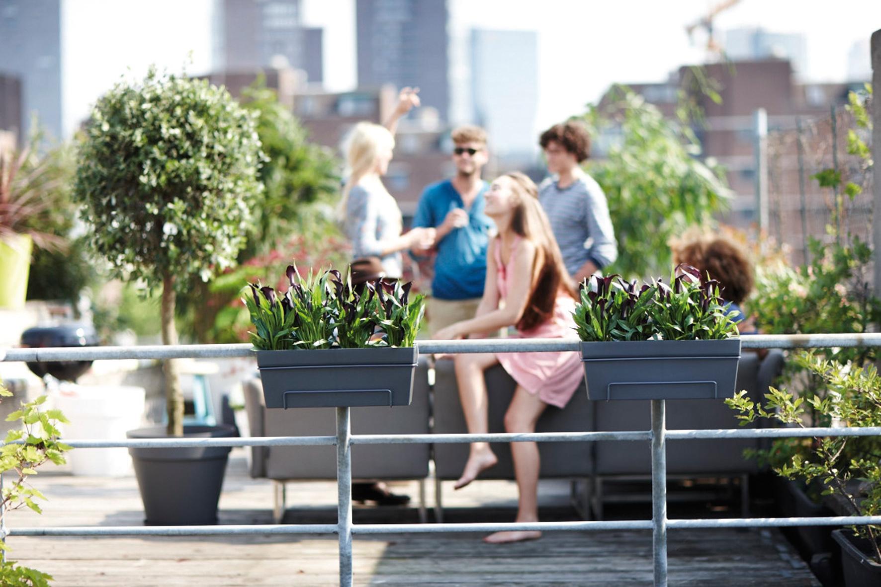 Vazen Op Balkon : Geländer blumentöpfe optimieren den platz am balkon wohnung